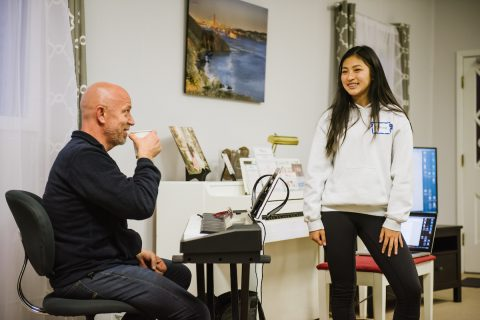 Dave Stroud coaching a Songbird Studios voice student